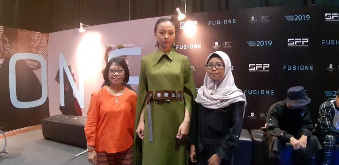 Bangganya Siswi Smkn 1 Sidoarjo Bisa Tampil Di Surabaya Fashion Parade 2019
